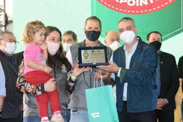 Agroindústria de Produtos Coloniais Fioresi é premiada na categoria salame na Expointer 2021